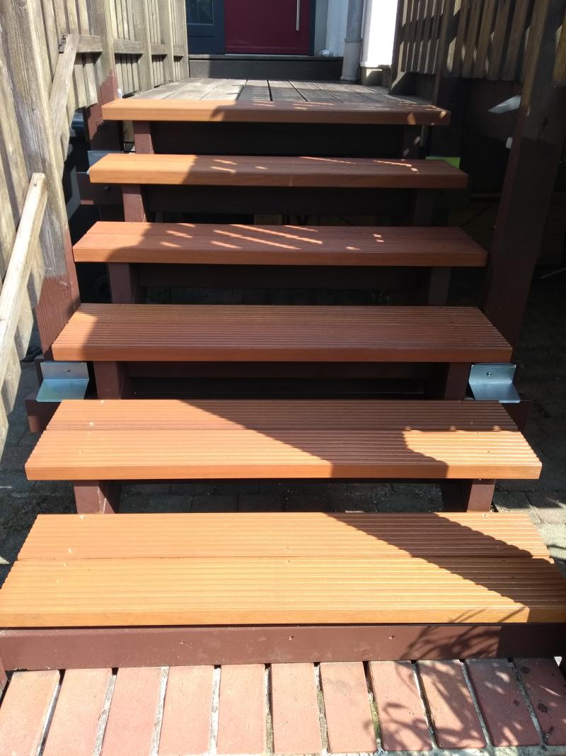 neue Treppenstufen